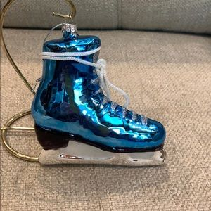 """Blue Glass Ice Skate w Lace Bow Tie 5"""" Ornament"""